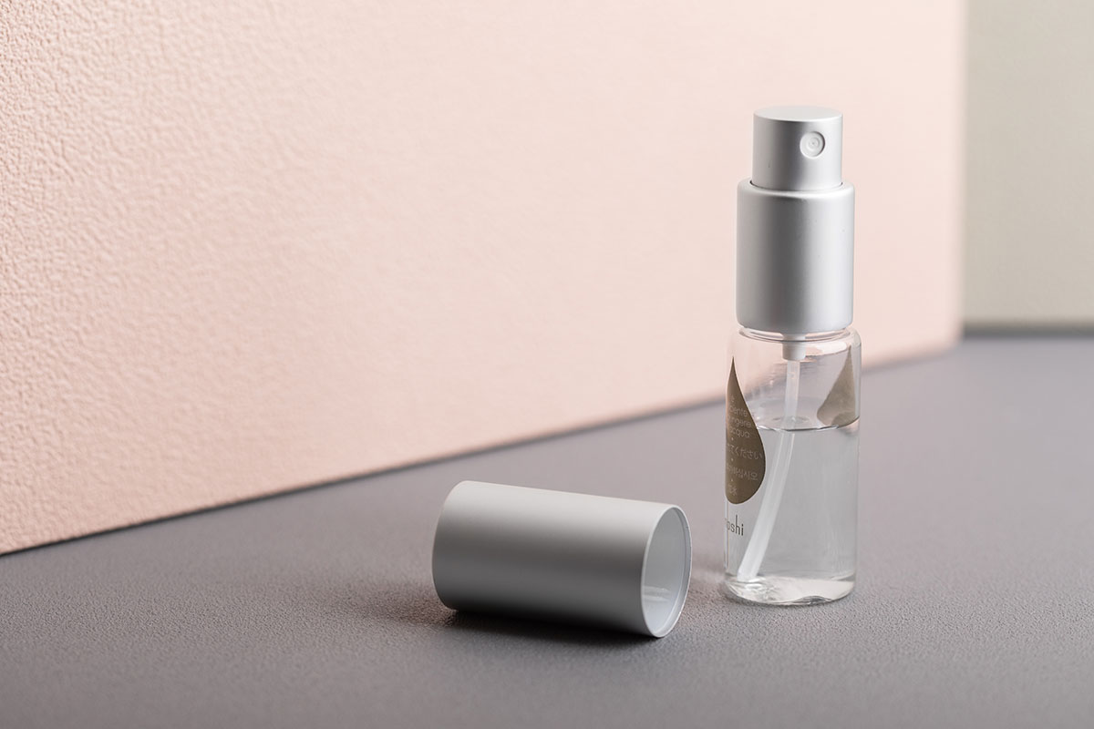 The package also includes a durable and long-lasting spray bottle.