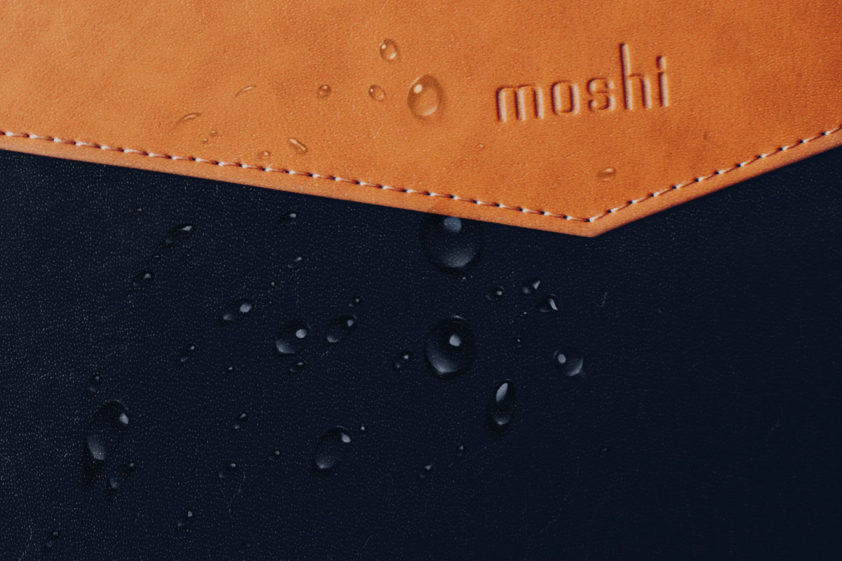 The soft premium vegan leather outer not only looks sophisticated, but is also surface-treated with a weather-resistant coating to protect your MacBook.