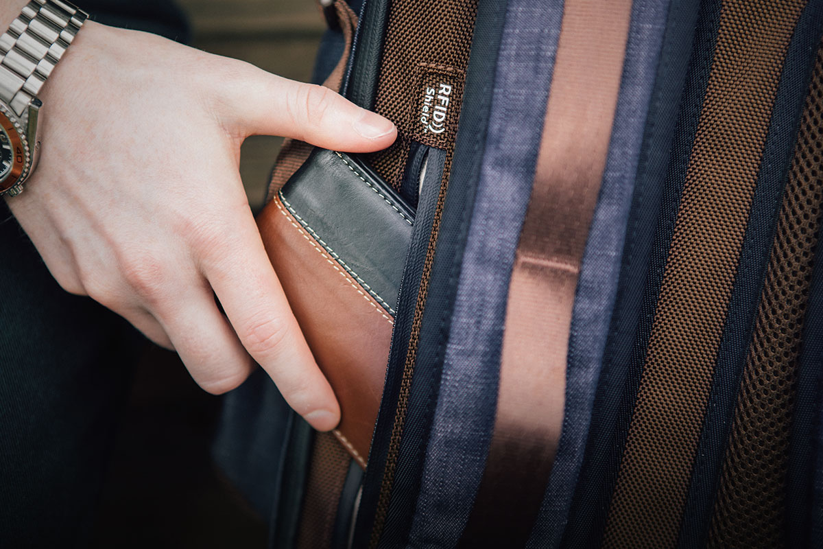 A rear Napoleon pocket features RFID Shield technology to protect your personal data from digital snoops.