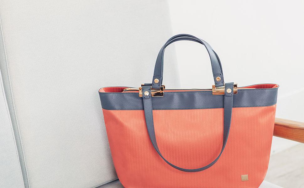 Удобная и вместительная сумка Verana добавит утонченности Вашему деловому образу.