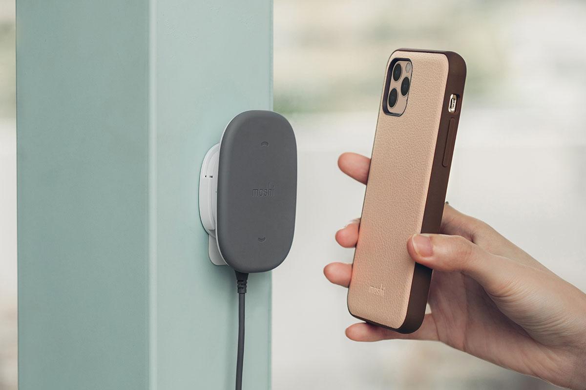 Overture 內建 SnapTo 磁吸金屬鐵片讓您享受 SnapTo 系列單手操作手機的便利性。