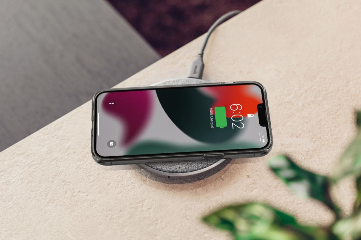 Schützt Ihren Touchscreen, wenn Sie ihn flach hinlegen; regeln Sie die Lautstärke und wecken Sie Ihren Bildschirm mit einem sanften Tastendruck.