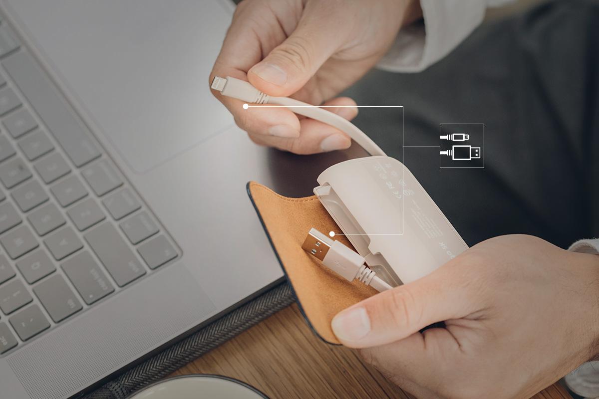 Con los cables incorporados con la batería, podrás estar conectado en todo momento y en cualquier lugar.