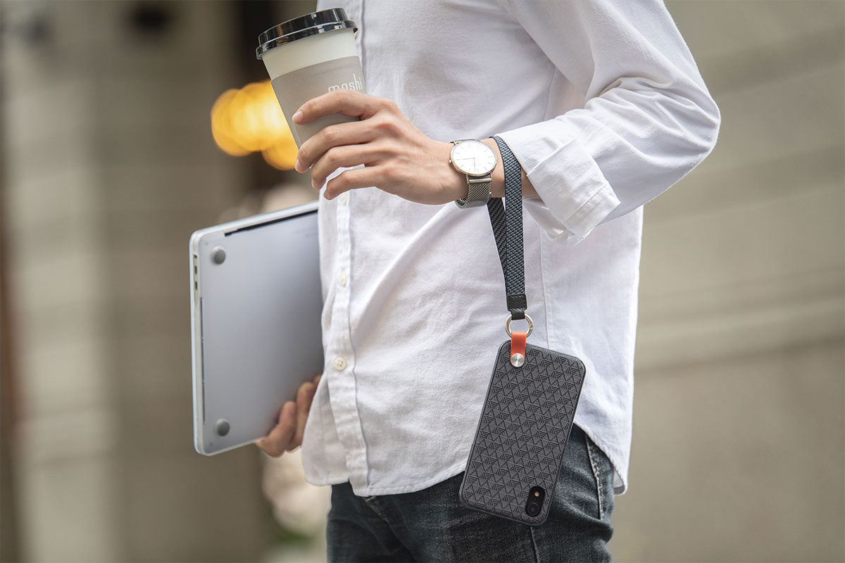 可拆卸的腕带,给您带来一整天随时可以解放双手的便利,方便双手兼顾更多。