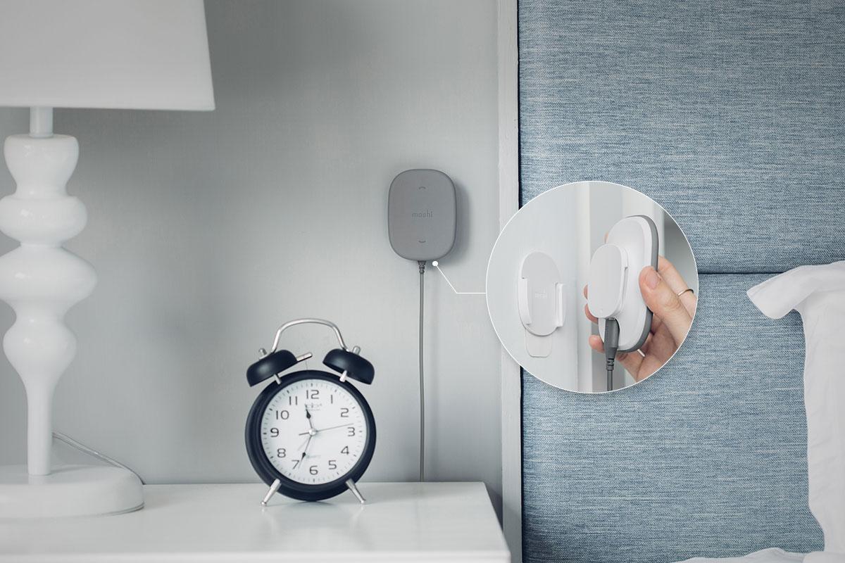 Gardez votre bureau ou votre table de nuit à l'abri du désordre pour une plus grande tranquillité d'esprit.