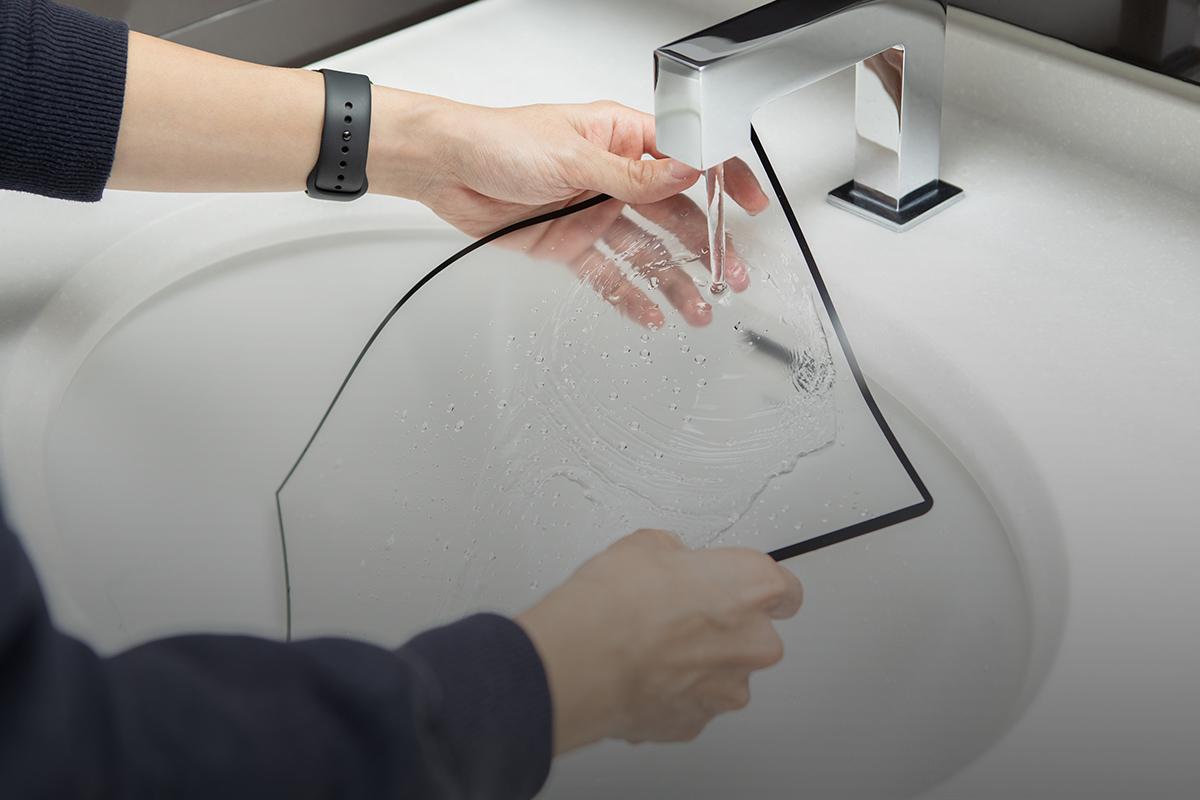 iVisor peut être lavé et réappliqué de manière répétée