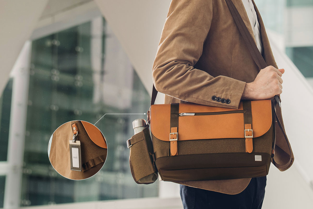 Attach the holder to your Carta messenger bag.