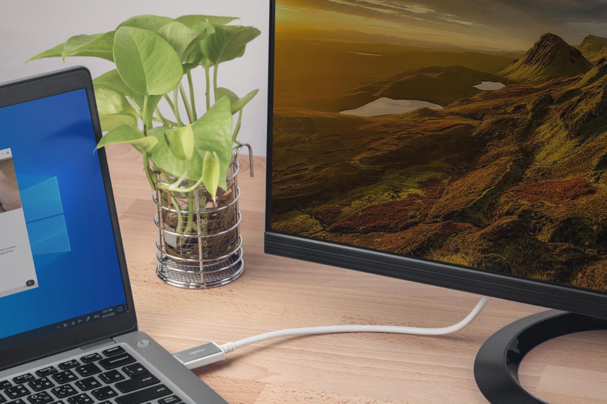 Подключите компьютер, поддерживающий стандарт DisplayPort к монитору через разъем USB-C или Thunderbolt 3 (USB-C). * *Потребуется монитор или дисплей, поддерживающий стандарт DisplayPort через разъем USB-C.