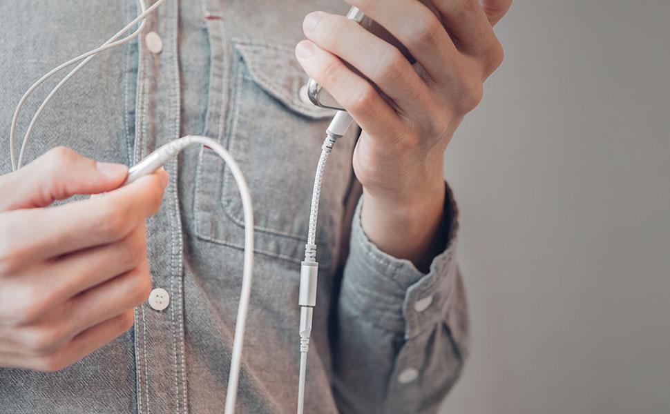 耳机线控功能让您可以在路上接听电话。