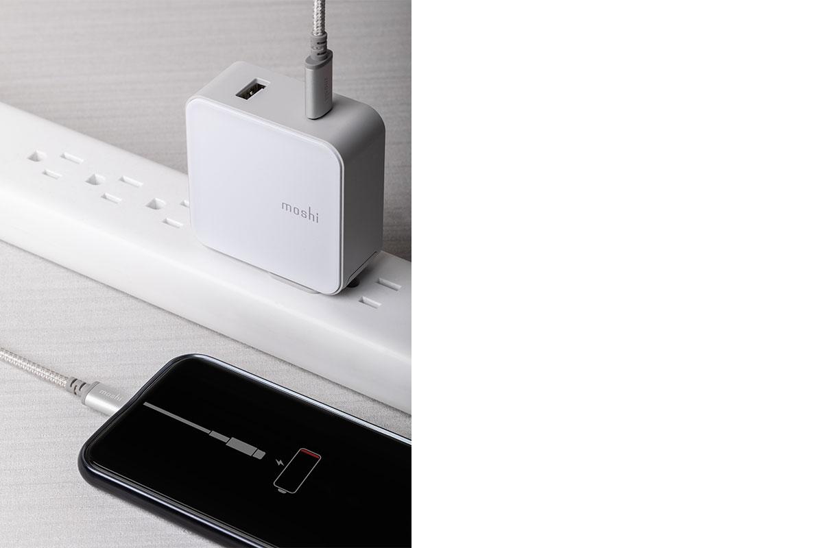 Prise en charge de la norme USB PD (alimentation électrique) jusqu'à 60 W. Prend en charge les vitesses de transfert de données USB.