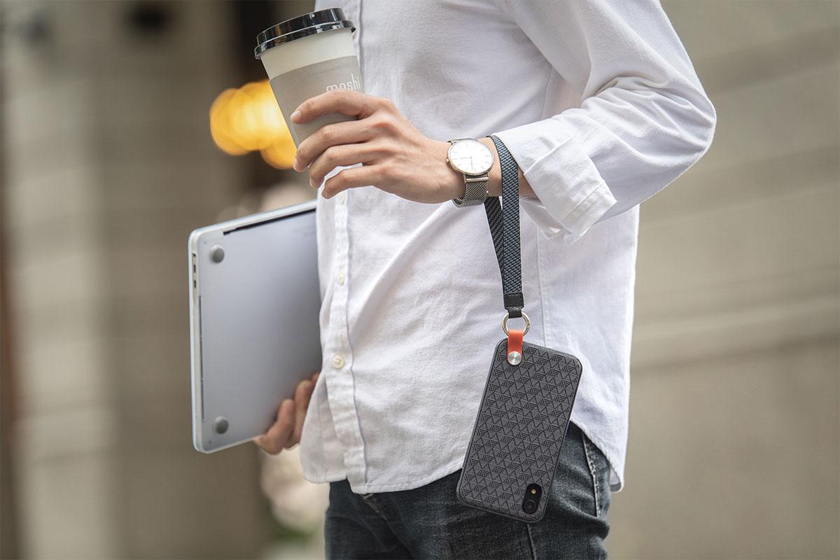 可拆卸的腕帶,給您帶來一整天隨時可以解放雙手的便利,方便雙手兼顧更多。