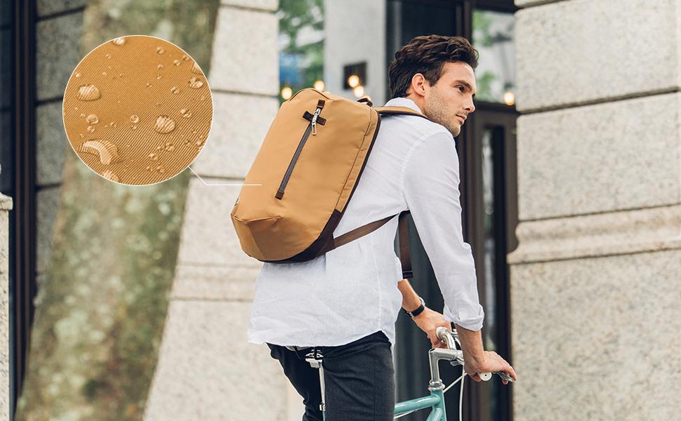 Funcional y ultraligera, Hexa es más que una mochila Una mochila para todos los días Hexa es resistente al agua y durable gracias a su tejido exterior de nailon de alta densidad revestido a 200D.