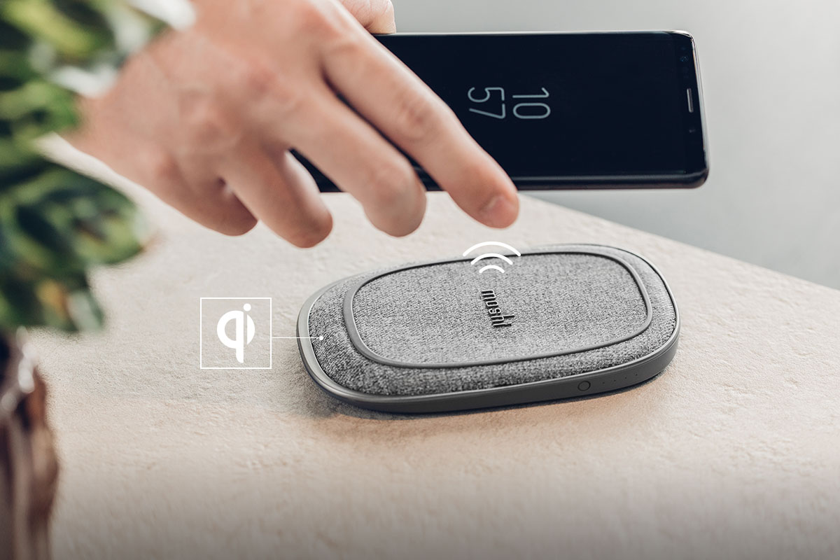 Porto Q 5K 经 Qi 认证,兼容所有类型的无线充电设备。