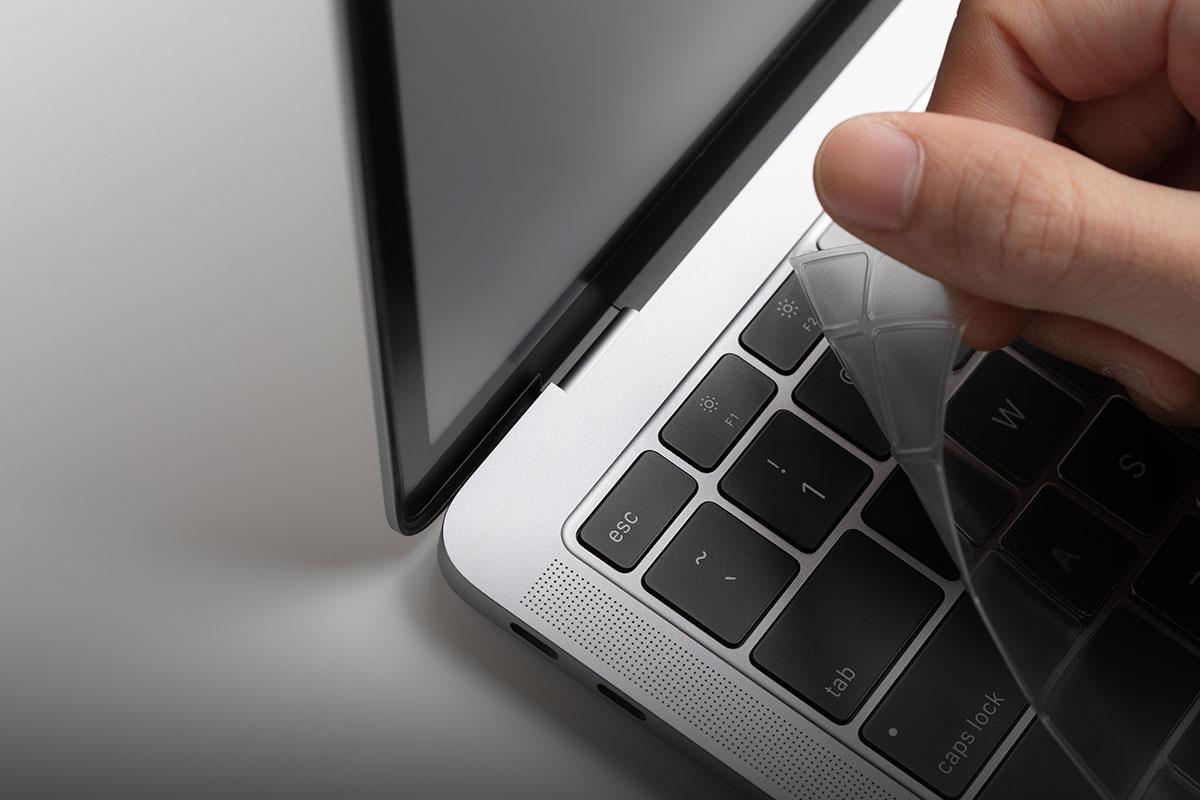厚度仅 0.1mm,是硅胶保护膜五分之一的厚度。