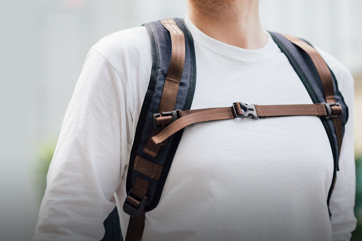 Плечевые ремни и спинка рюкзака Captus имеют подкладку из воздухопроницаемого материала Airmesh.
