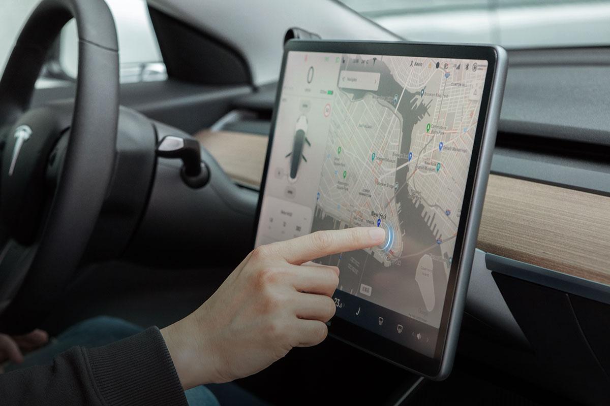 Удобство движения по экрану, масштабирования и нажатий благодаря покрытию EZ-Glide™ собственной разработки.