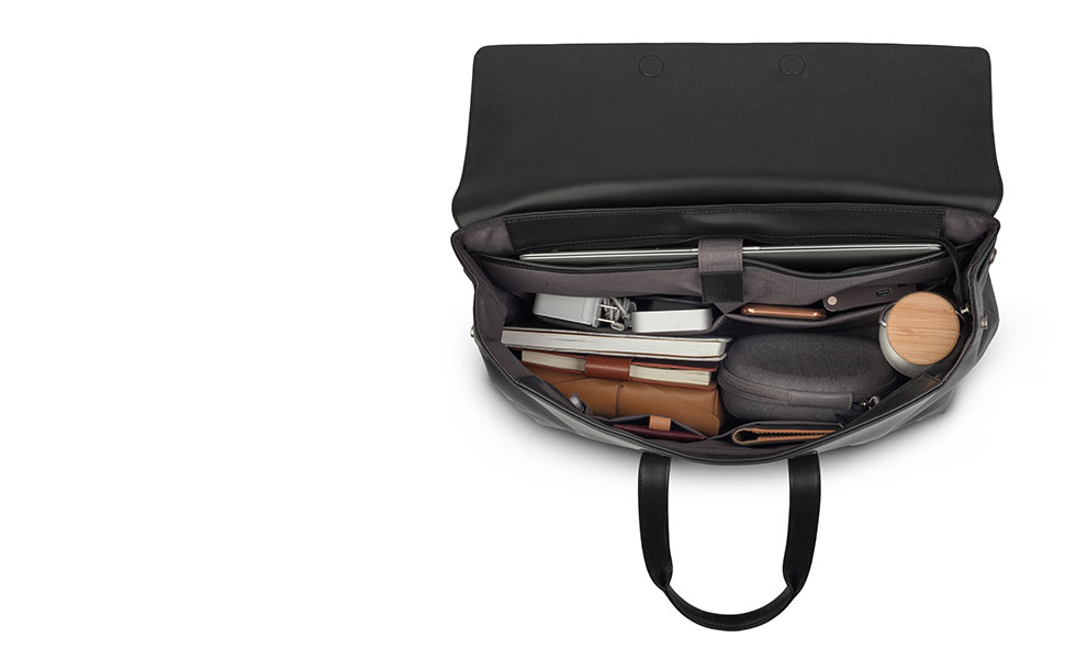 The main compartment unsnaps to give you more space.
