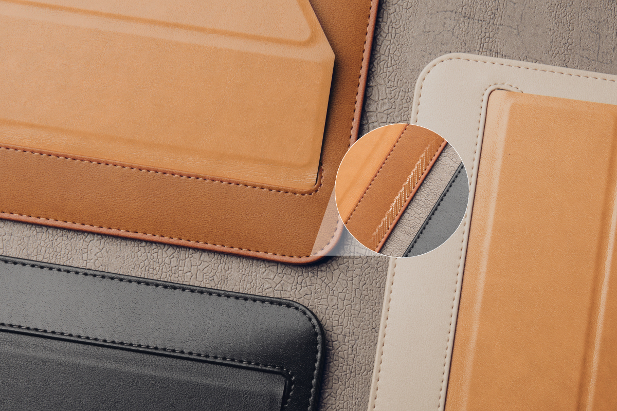Crafted from premium vegan leather with a weather-resistant coating, Muse not only provides a refined and elegant look, but also protects your laptop against the elements.