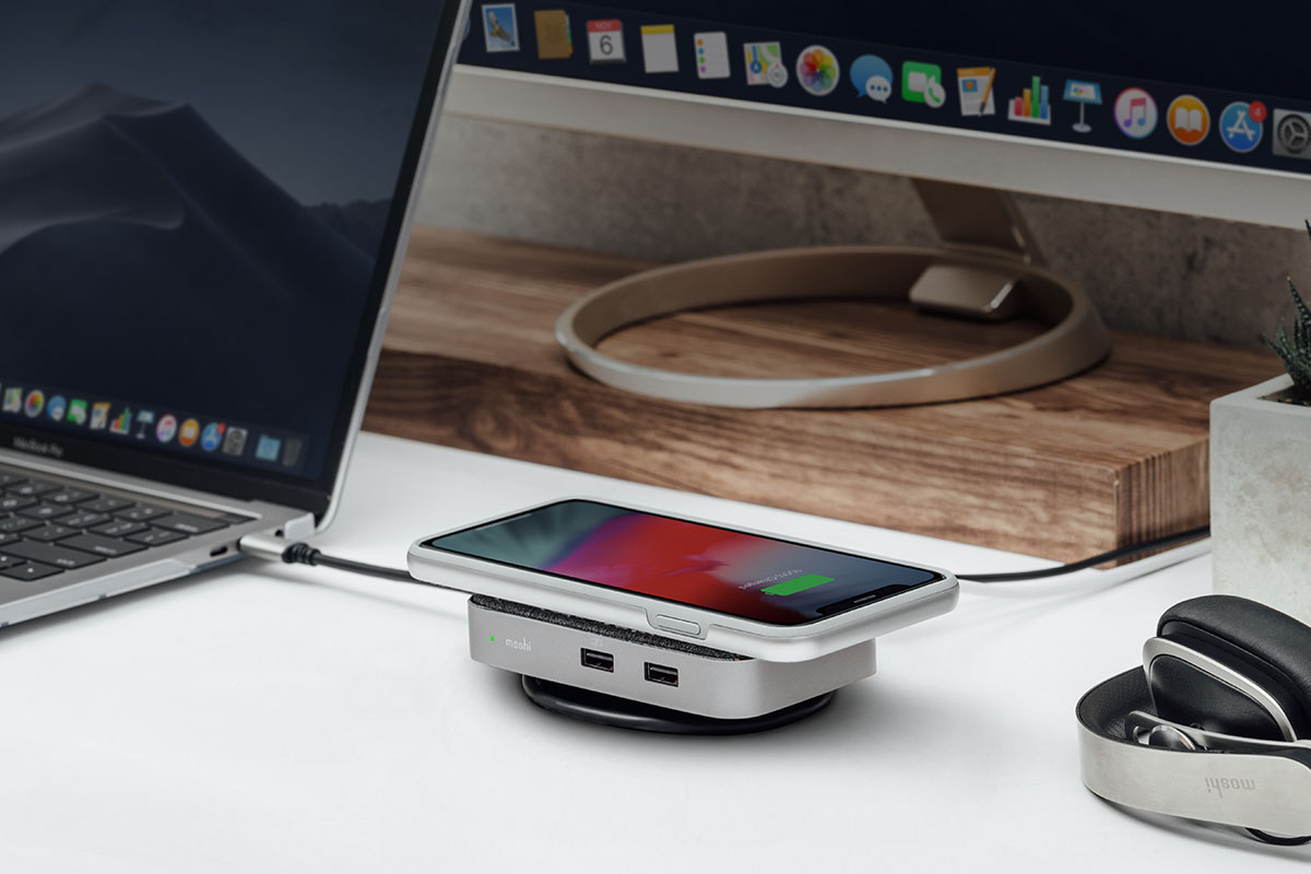 Symbus Q works with a wide range of laptops including USB-C and Thunderbolt MacBooks and USB-C Surface devices. There's no software or driver installation required; simply plug into an available port on your laptop to get started.