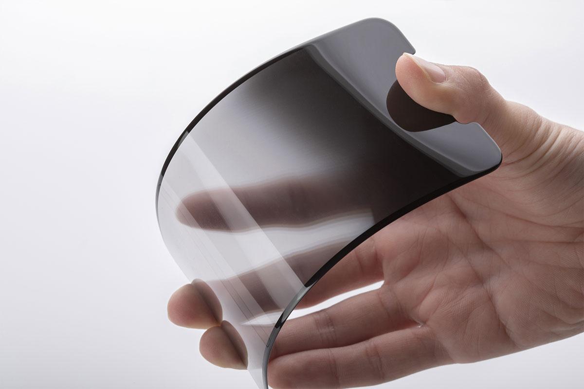 Moshi IonGlass 使用離子交換強化的IonGlass™強化玻璃材質,鋼製尖銳利器劃擦表面也不會留下刮痕。