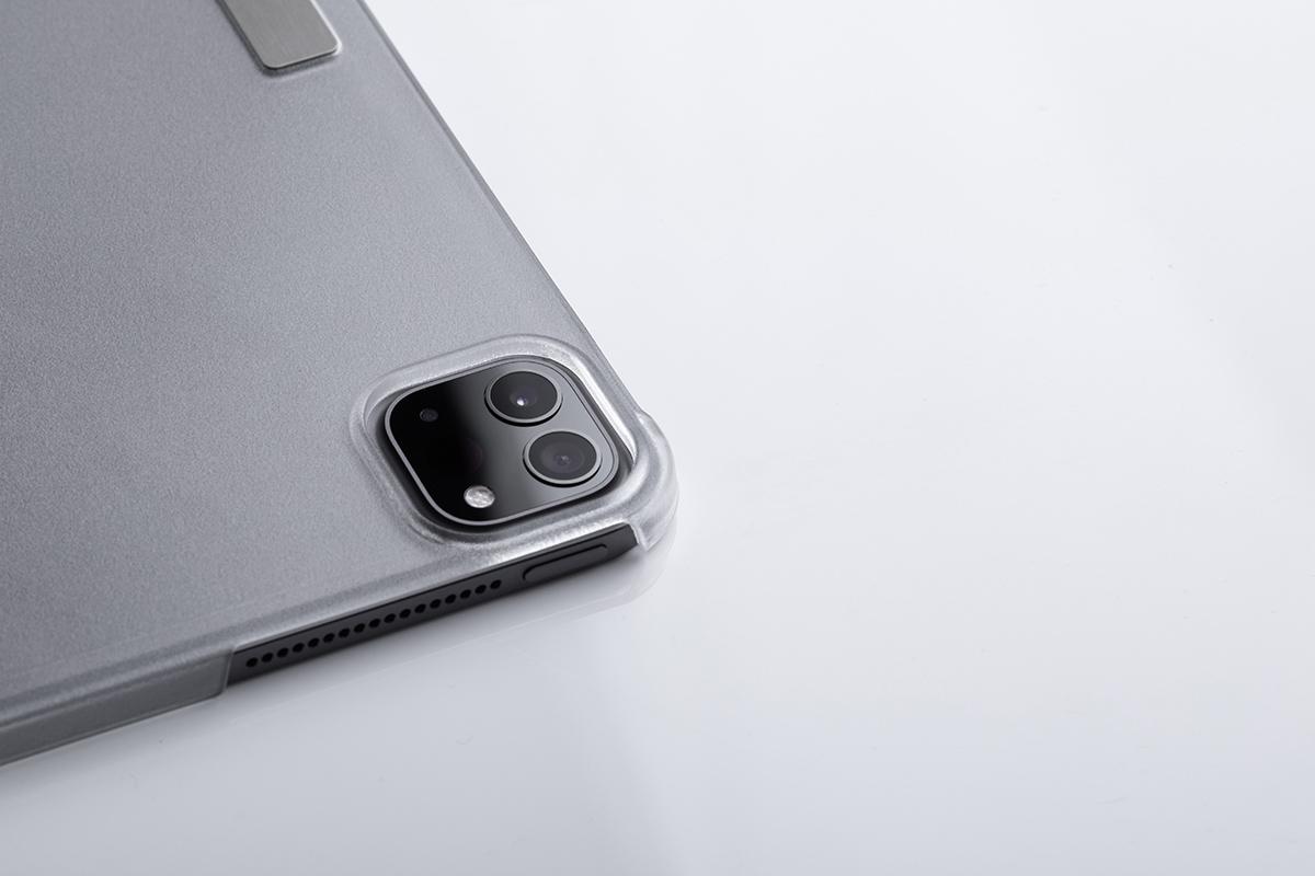 Die weiche Mikrofaserhülle schützt Ihren Touchscreen, während ein stoßfester Rahmen Ihr Gerät vor Kratzern und Stößen schützt.