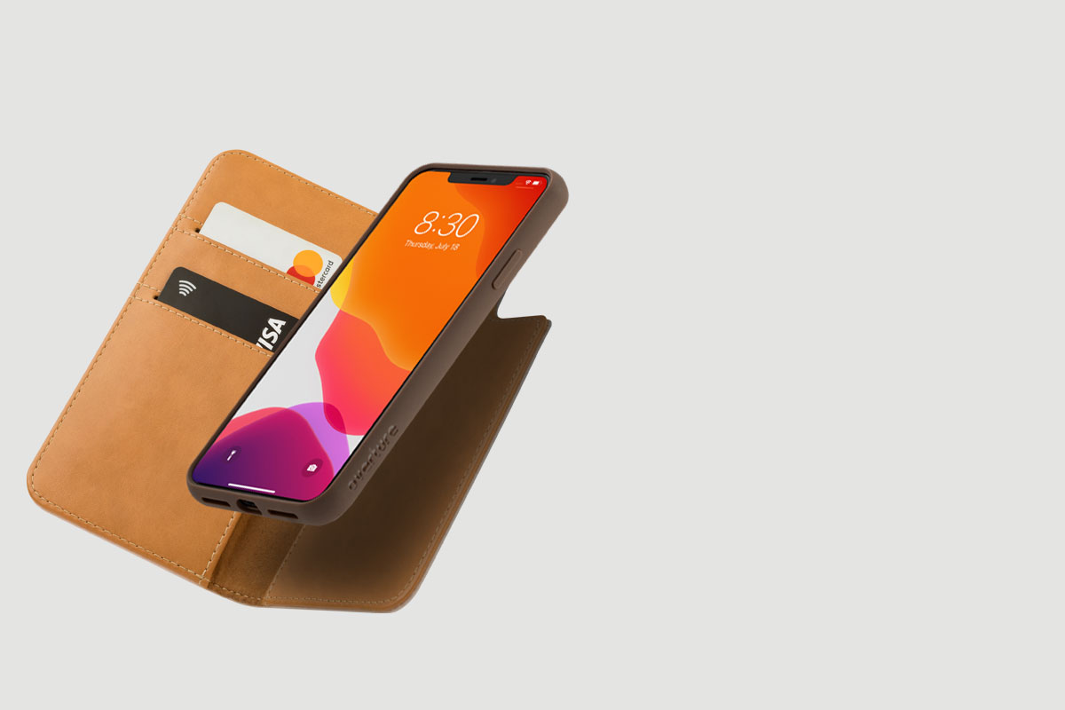 Overture kann entweder als schmale Schutzhülle oder als Brieftasche verwendet werden.