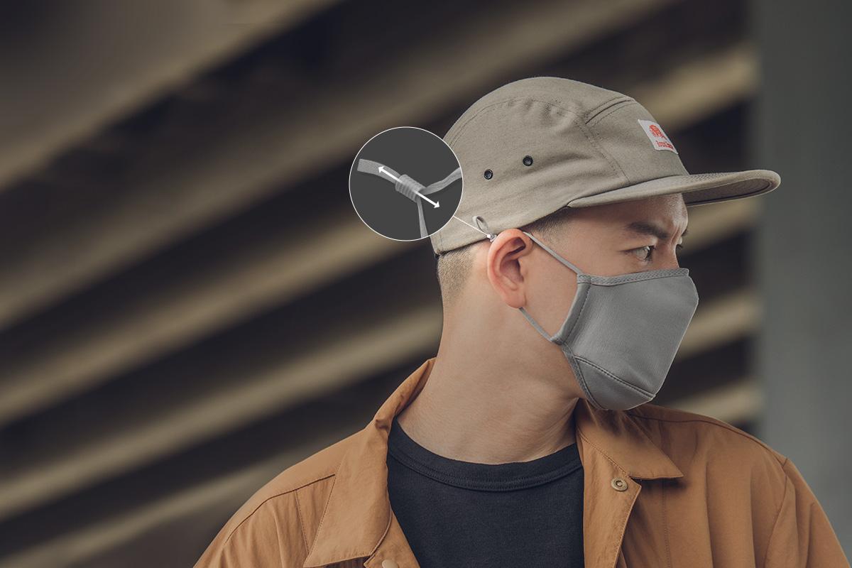 ストリング式のマスクとは異なりクッション付きイヤーループなので耳が引っ張られる感覚を緩和します。左右のループでいちばん快適な長さに調節可能。