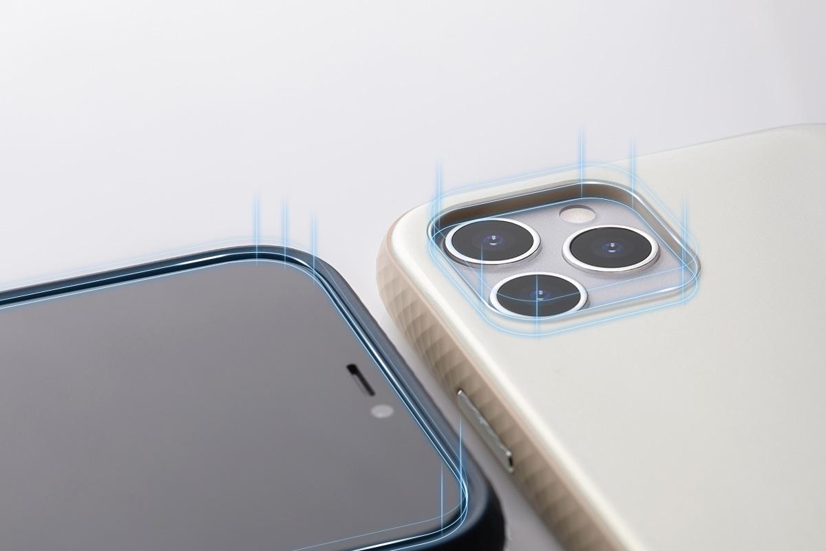 手機平放時也能保護螢幕,連動式獨立金屬按鍵可輕鬆調整手機音量及電源鍵。