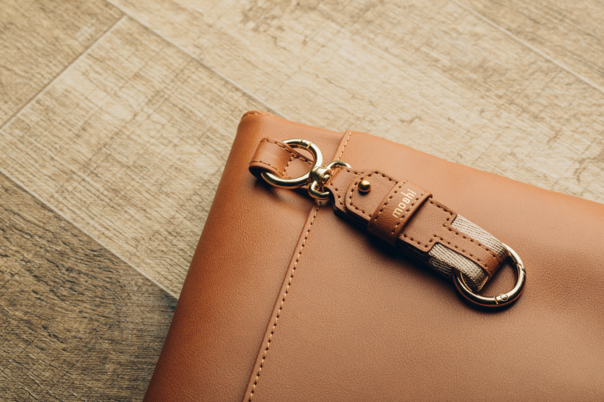 Great on its own but also effortlessly matches our range of bags, sleeves, and cases. Save $5 when you buy the Key Ring with any Moshi product. (Discount applied at checkout)