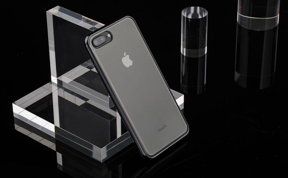 La tecnología de vaporización del metal crea un marco metalizado con acabado brillante.