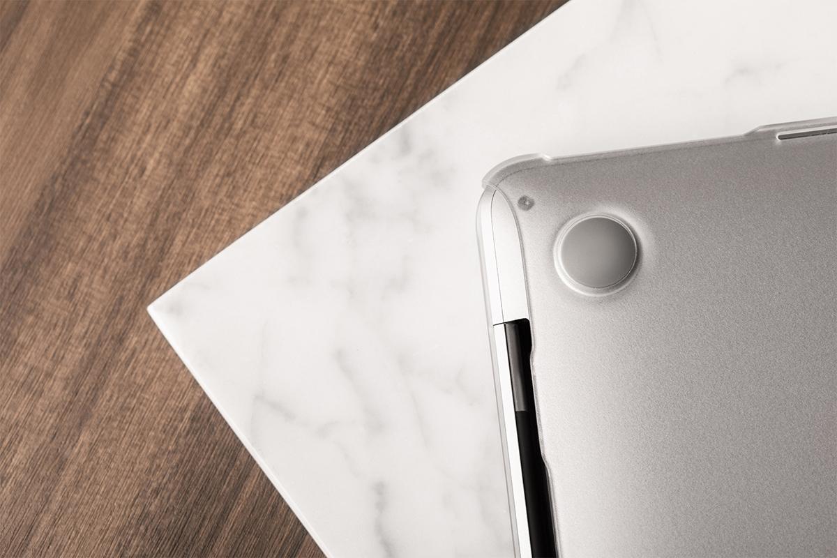 防滑橡胶底垫可固定于任何一种表面。