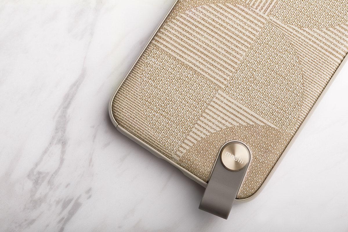 独特のデザインでグリップ性と同時にスマートフォンに優雅な見栄えが加わります。