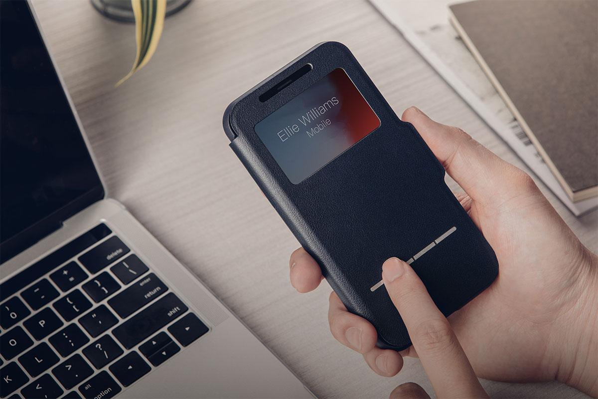 Lesen Sie Datum und Uhrzeit ab, nutzen Sie Apple Pay und die Gesichtserkennung, um Ihr Handy zu entsperren - alles, ohne die Abdeckung öffnen zu müssen.