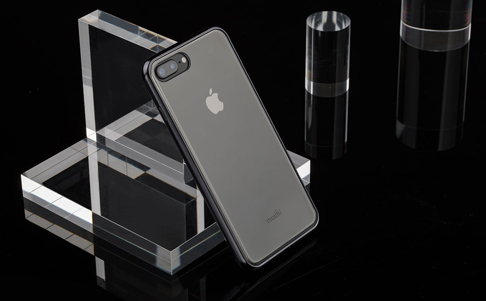 La technologie de vaporisation des métaux crée un cadre métallisé à finition brillante.