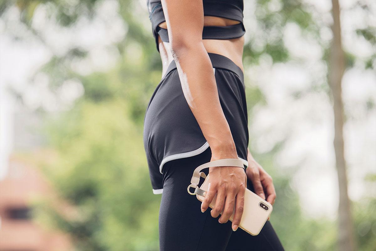 无论您在跑步、徒步或旅行中,Altra 让您可以更自在、轻松地拥抱充满活力的现代生活方式。