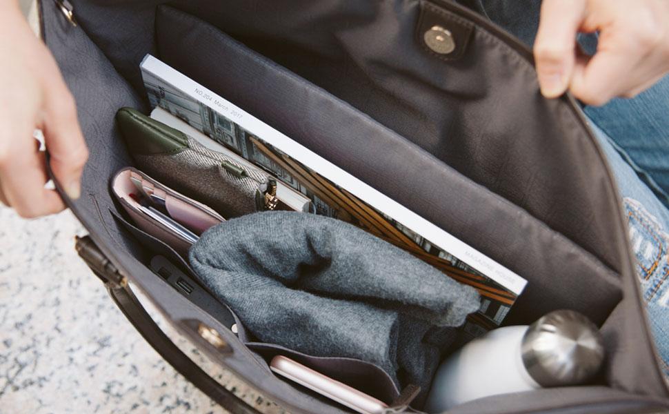 专属电子设备防震内袋,可收纳最大 13 英寸笔记本电脑。