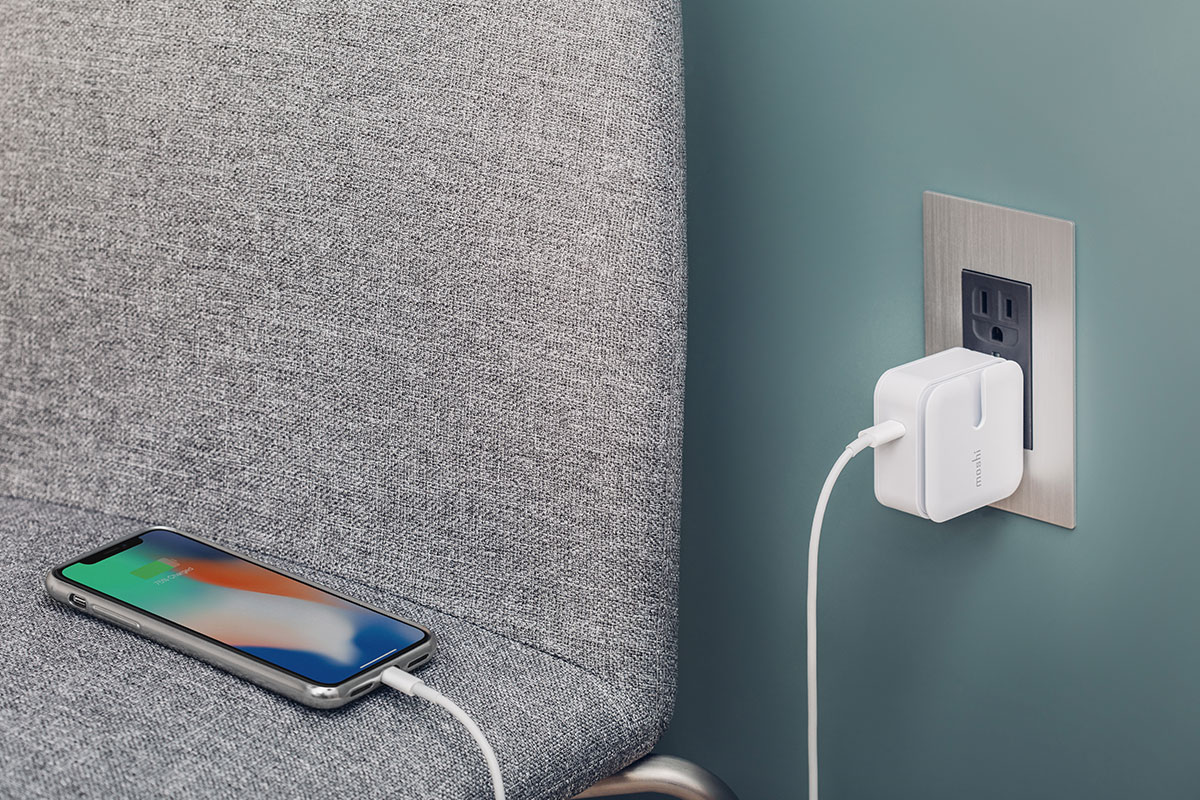 Get up to 18 W of charging power when you team your new iPhone with our Rewind C.