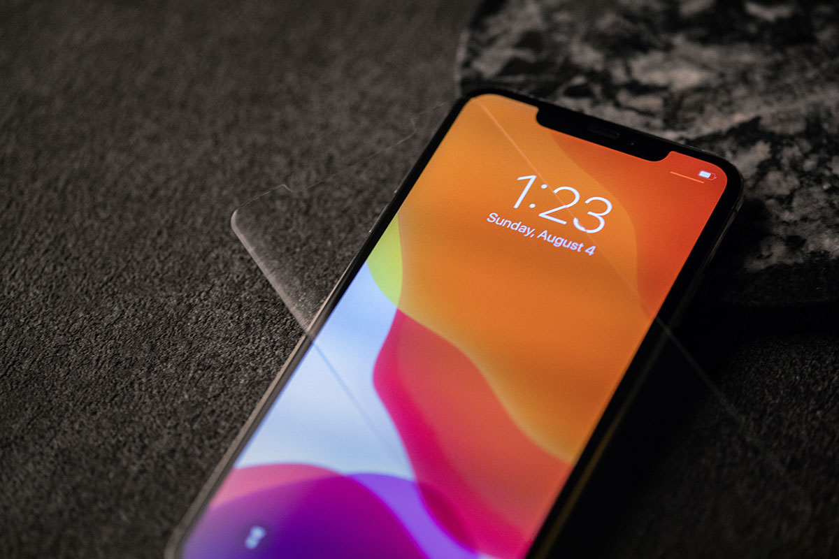 At just 0.3 mm thin, AirFoil Glass is up to 40% thinner than generic glass screen protectors.