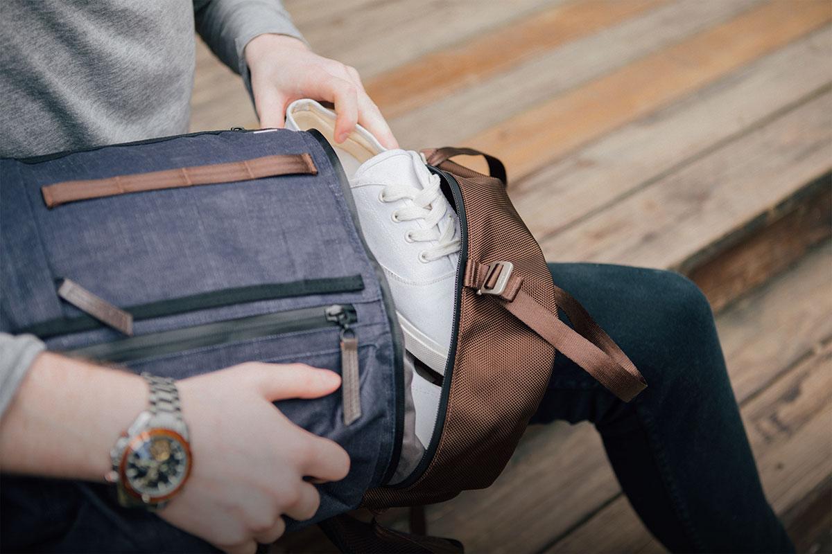 Emmenez facilement votre ordinateur portable, votre matériel de voyage, et d'autres affaires.