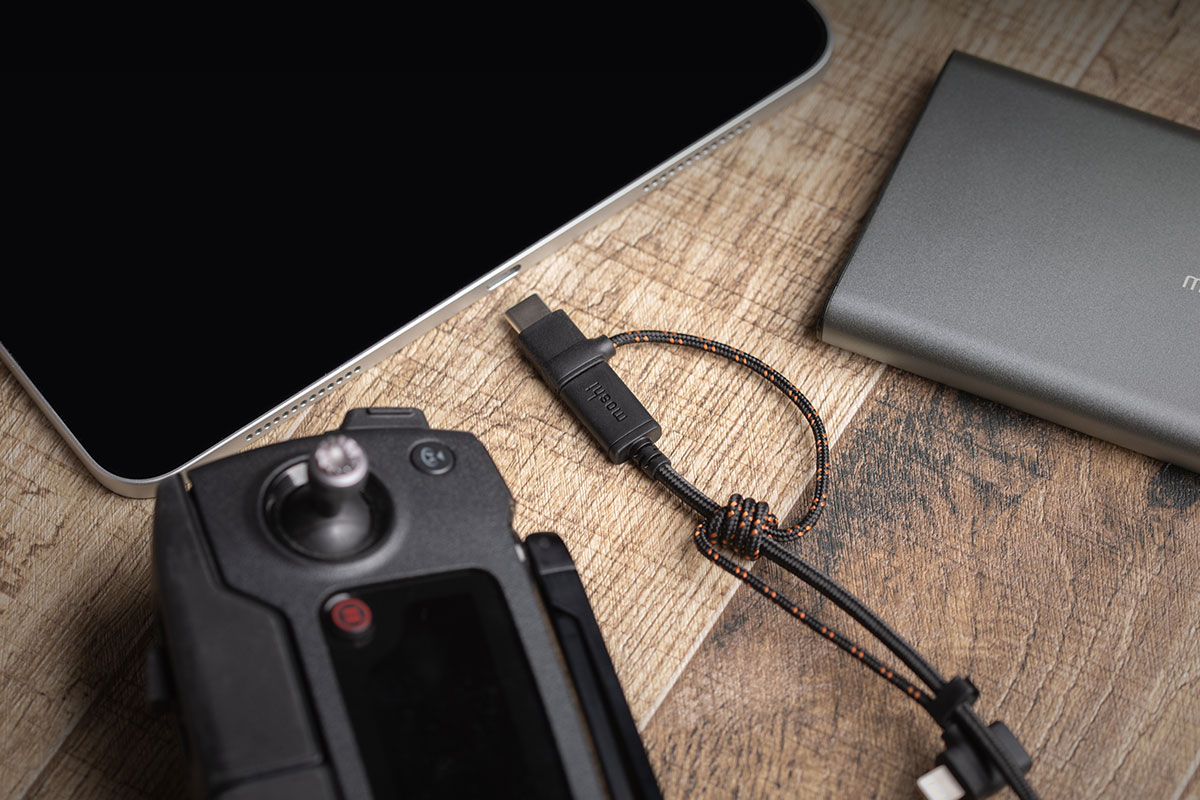 手機、平板電腦、空拍機、相機等的理想選擇。