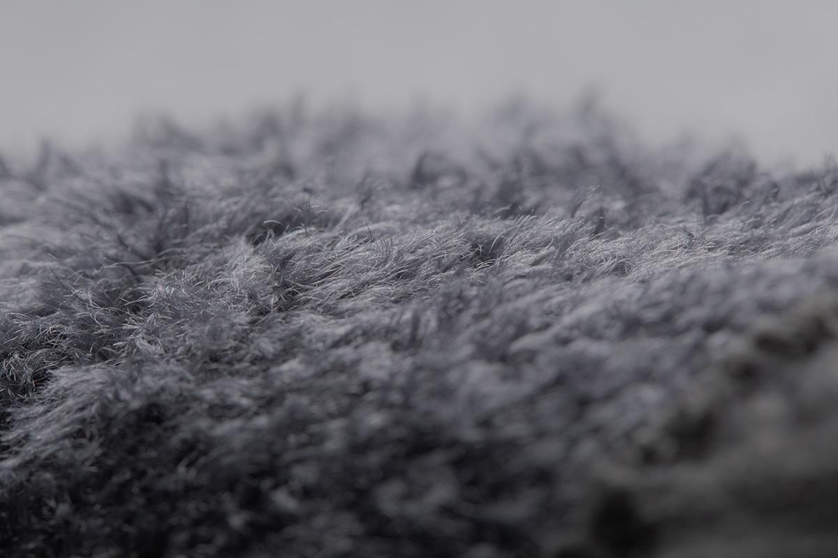 雙層針織,內層採用柔軟又保暖的細絨材質。