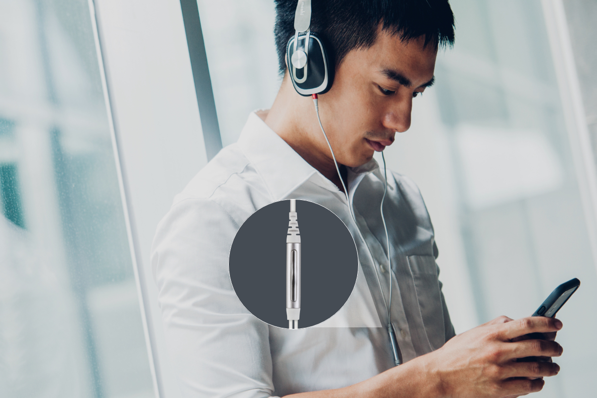 The included cable features an in-line microphone compatible with almost any phone or tablet so you can take calls and control music without taking your device out of your pocket or bag. The cable detaches from the headphones and can be conveniently stowed in the carrying case to avoid annoying tangles during transportation.