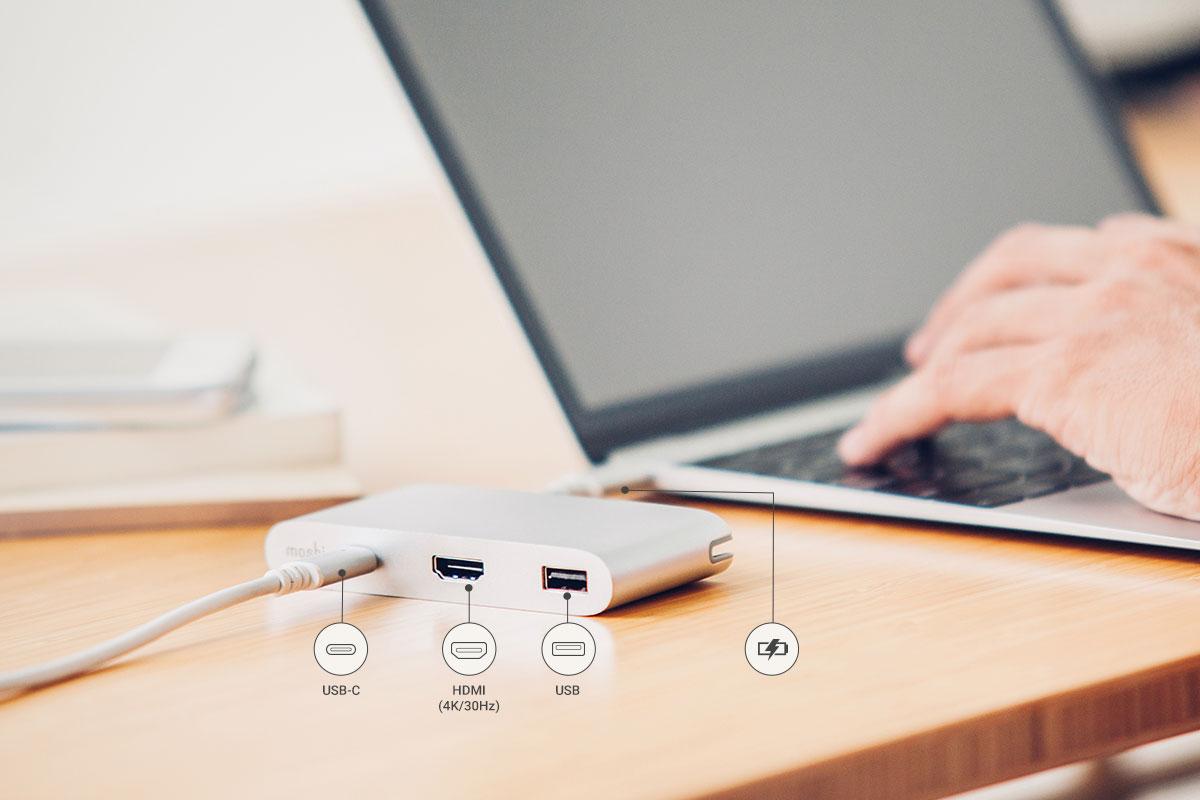 转换器上配有的 USB-C 母头接口,可为您的笔记本电脑快速充电。