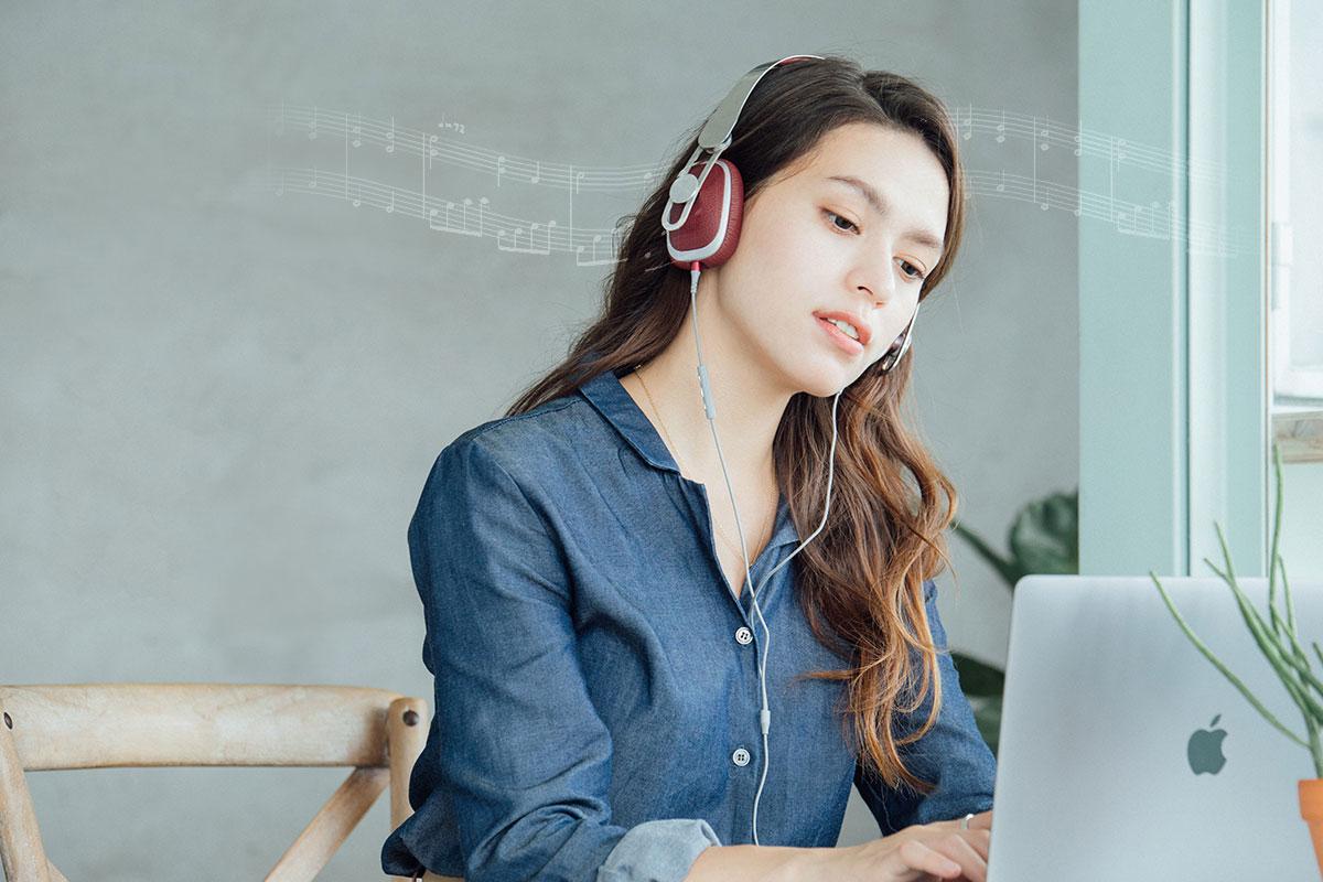Le casque Avanti LT offre une expérience d'écoute immersive de haute qualité grâce au convertisseur numérique-analogique (CNA) intégré premium (24 bits/48 kHz).
