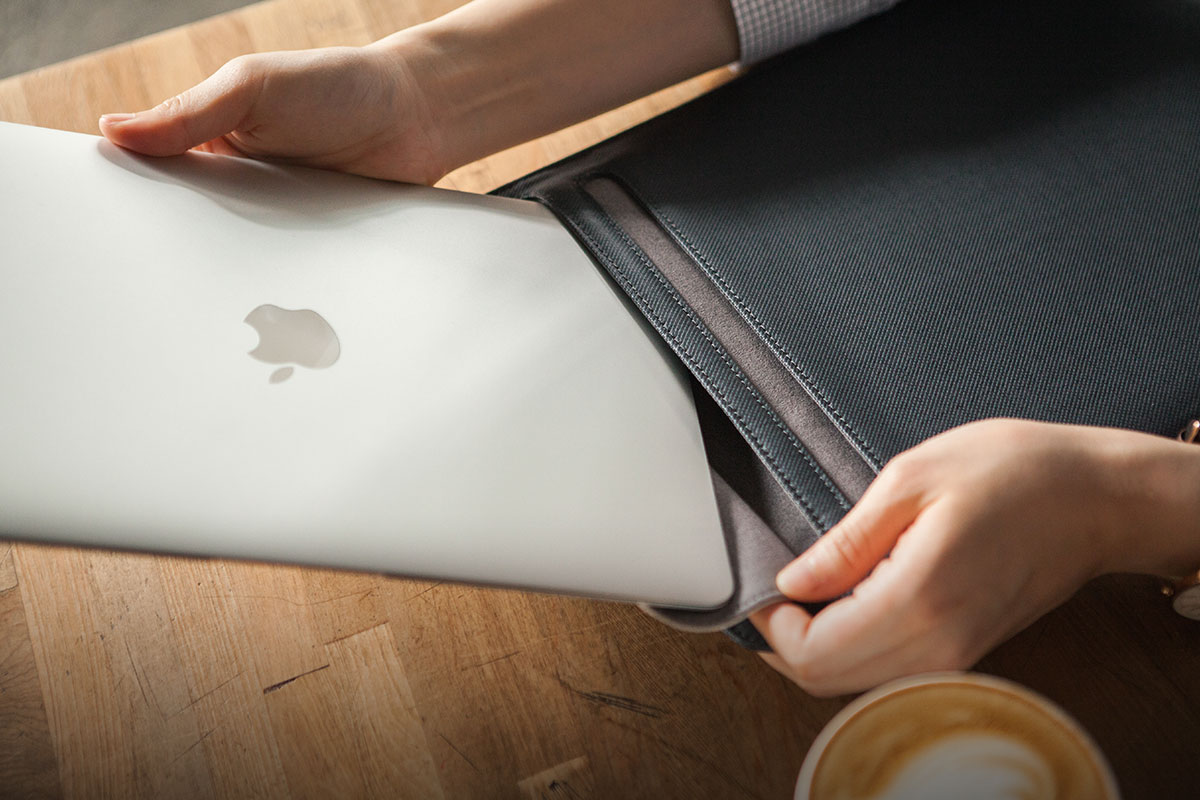 The SlipGrip™ opening prevents your computer from accidentally dropping out of the sleeve for added peace of mind.
