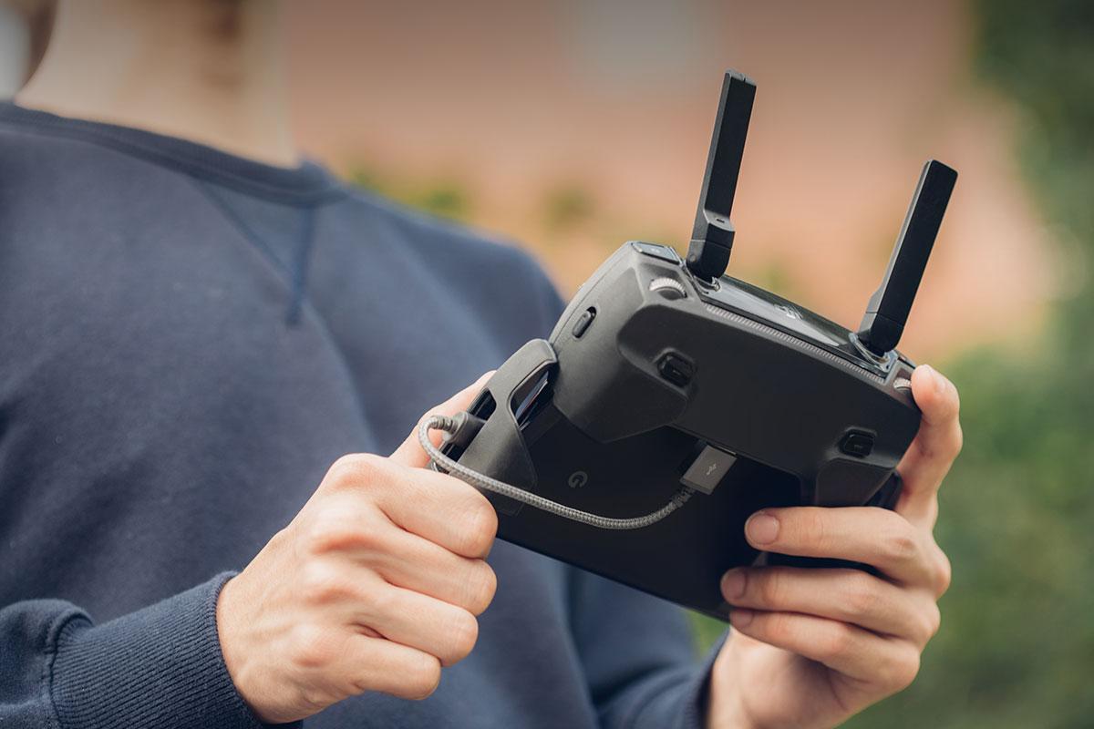 Ideal zum Laden Ihres USB-C-Geräts im Auto oder sogar zum Synchronisieren Ihres Drohnencontrollers mit Ihrem Telefon.