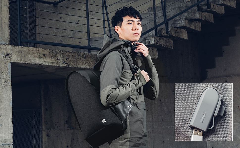 Conveniently charge your phone on the go thanks to a pass-through USB cable (fast charging 2.4 A) that attaches to a portable battery (optional) stored inside your bag.