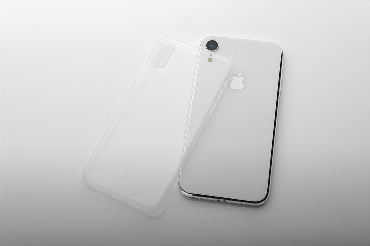 清晰的背面,突显出手机光滑的设计,同时展示苹果标志。