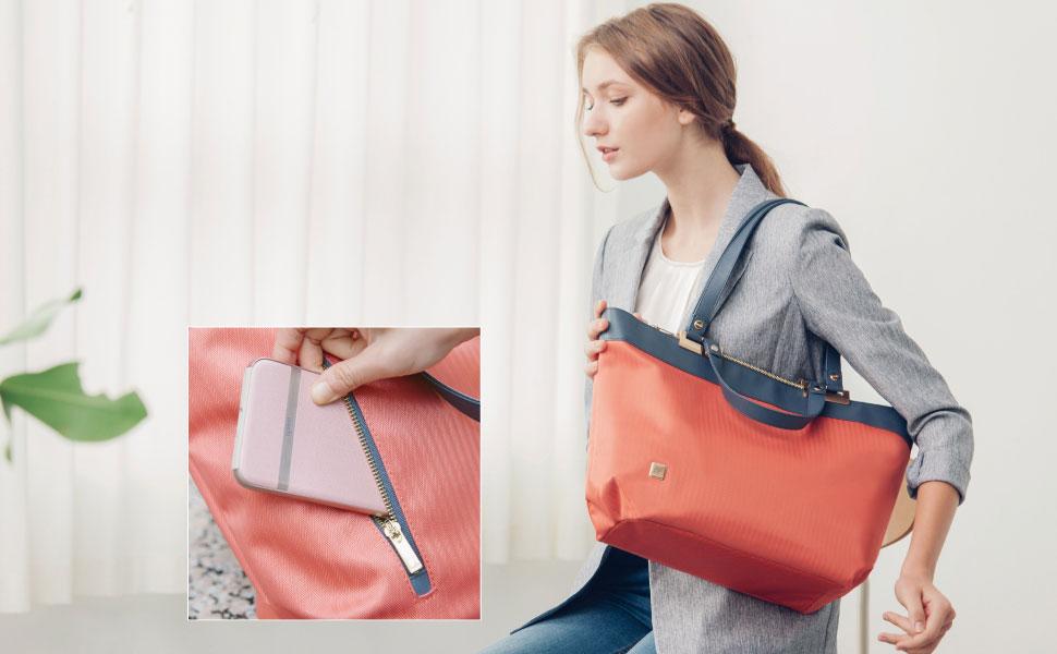 Veranaのツインストラップデザインは肩や腕にバッグを着用させたり、手で楽に持ち運べたりします。