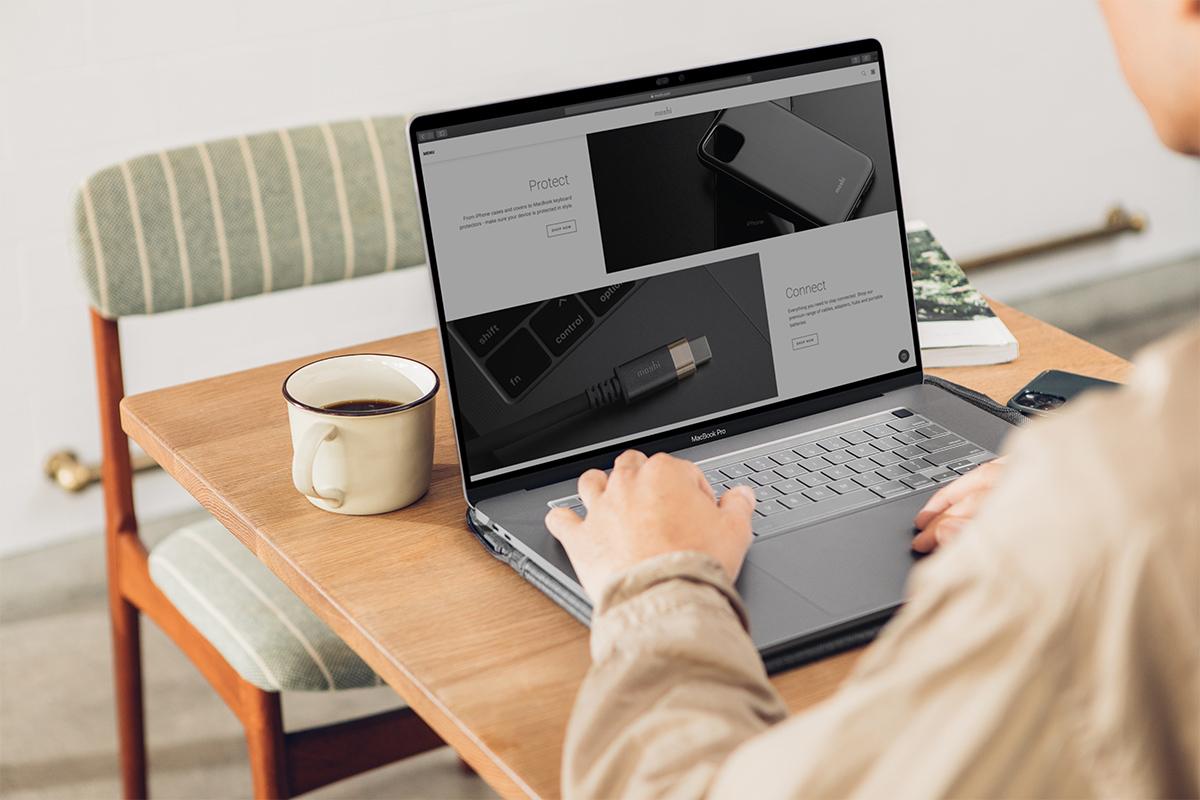 iVisor 精确切割,覆盖您的 MacBook 整个屏幕,提供最佳保护,同时不影响摄像头和传感器的使用。